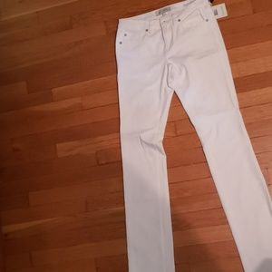 Henry and Belle Signature Straight Jeans